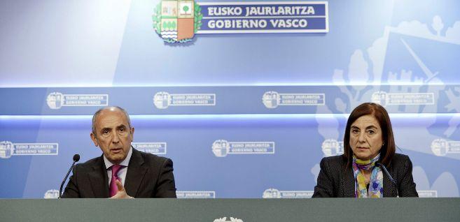 Josu Erkoreka junto a la Consejera de Educación, Cristina Uriarte