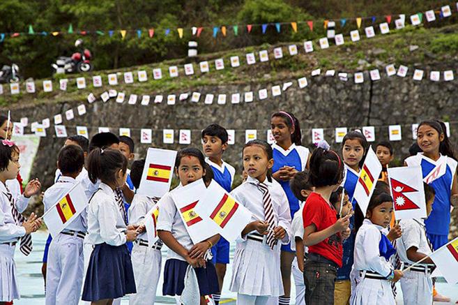 Inauguración de la escuela española en Nepal.