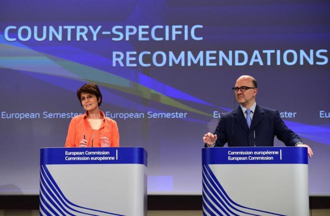La comisaria de Empleo, Marianne Thyssen, y el de Economía, Pierre...