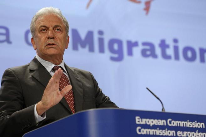 El comisario europeo de Migraciones, Asuntos de Interior y...