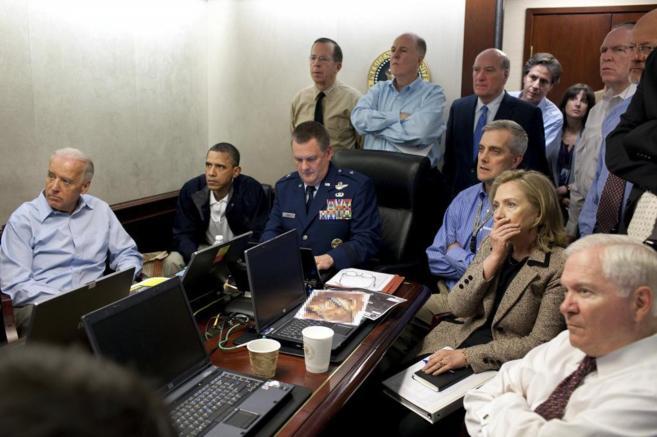 Obama y Hillary, entre otros altos cargos, siguen la 'operación...