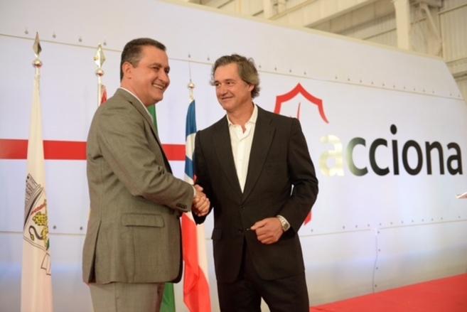 El Gobernador de Bahia, Rui Costa dos Santos, y el presidente de...