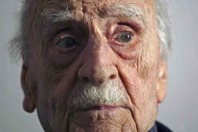 El escritor granadino Fracisco Ayala, EN 2009, en una de sus últimas...