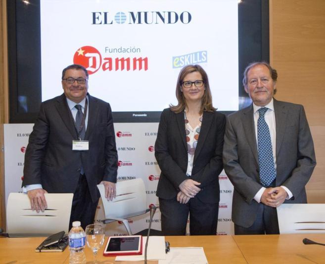 Ramon Agenjo, Carmela Ríos y José Ramón Álvarez, en el encuentro...
