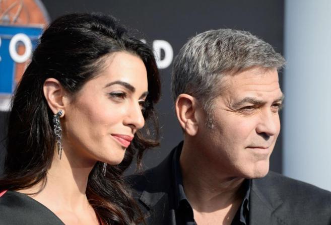 Amal Clooney y George Clooney.