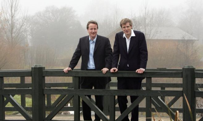David Cameron, primer ministro inglés, y el diputado  Zac Goldsmith...