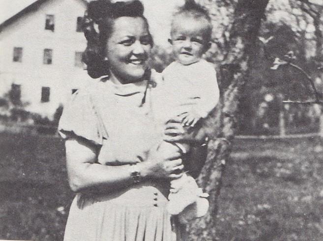 Ute Baur-Timmerbrink junto a su madre.