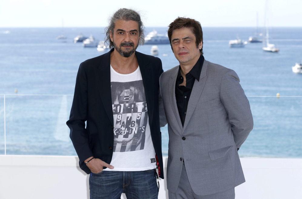 Fernando León con el actor Benicio del Toro