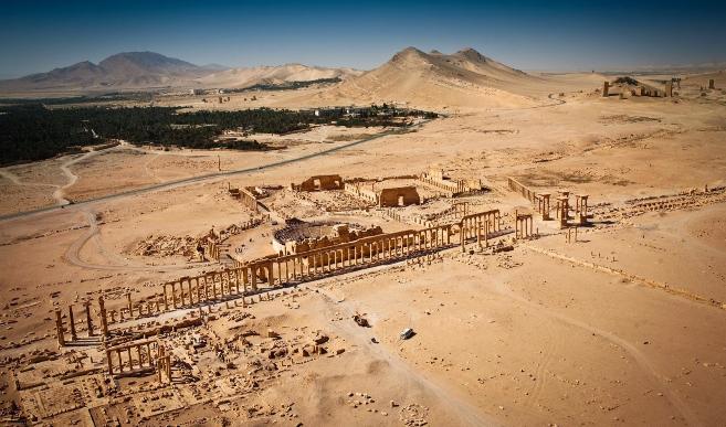 Vista aérea de las ruinas de Palmira (Homs), joya arqueológica...