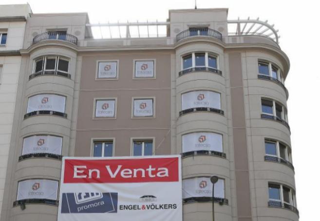 Fachada del edificio situado en la calle Velázquez, 87.