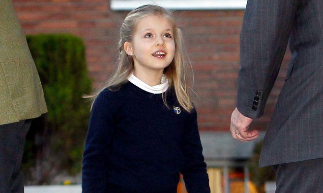 La princesa Leonor con el uniforme del colegio Los Rosales
