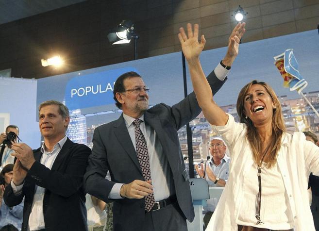 Alberto Fernández Díaz, Mariano Rajoy y Alicia Sánchez-Camacho, en...