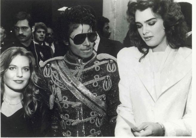 Charlotte Laws, con Michael Jackson y Brooke Shields.