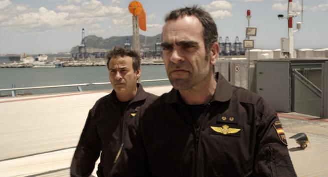 Eduard Fernández y Luis Tosar en 'El Niño', que no pasa el...