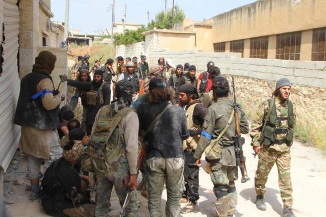Yihadistas del Frente al Nusra, en la ciudad de Mastuma (Siria).