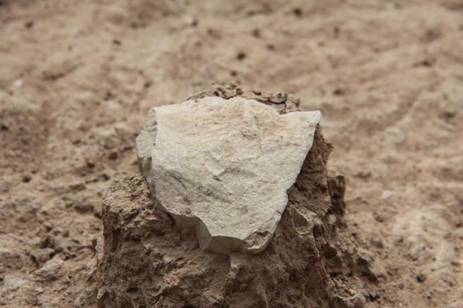 Una de las piedras halladas en Kenia, consideradas las herramientas...