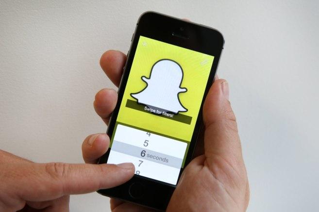 Snapchat, la aplicación de mensajería efímera, en un iPhone