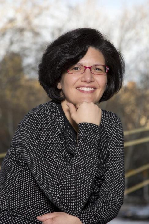 Isabel Fuentes, directora de CaixaForum, escribe su primera novela,...