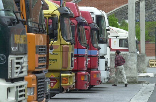 Camiones estacionados en Gipuzkoa.