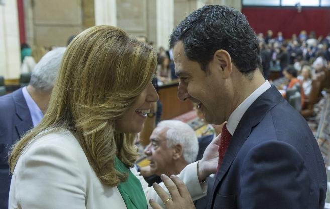 Susana Díaz y Juan Manuel Moreno, en el Parlamento andaluz.