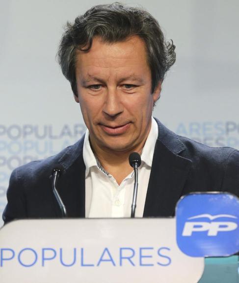 El director de campaña del PP, Carlos Floriano, valora los resultados...