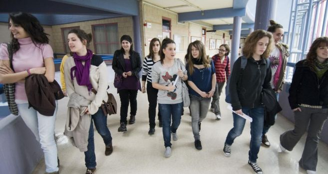 Estudiantes en la Universidad del Pais Vasco en Leioa, Bilbao