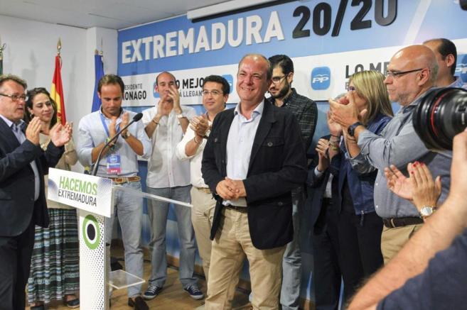 José Antonio Monago, ayer, en la rueda de prensa tras conocer los...