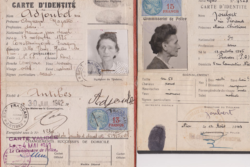 Documento de identidad de Mazalto Adjoubel née Amram, quien en 1943...