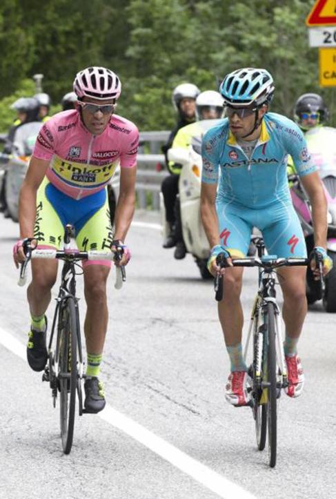 Contador y Mikel Landa, durante una ascensión del Giro.