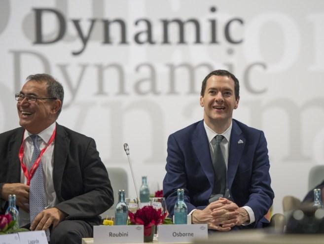 El ministro de Finanzas de Reino Unido, George Osborne, en una...