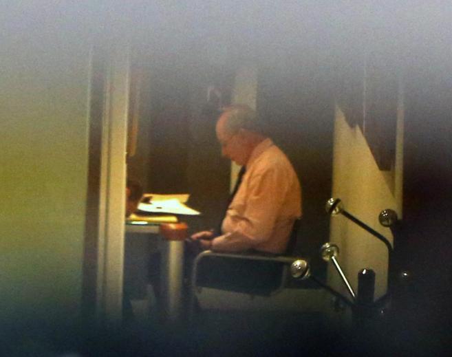 Rato, en su despacho de Madridm durante el registro.