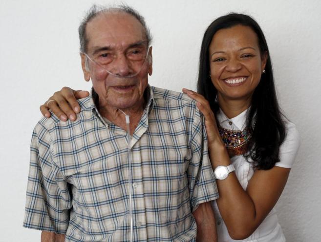 Víctor y Anni Walteros esta mañana en rueda de prensa tras conocer...