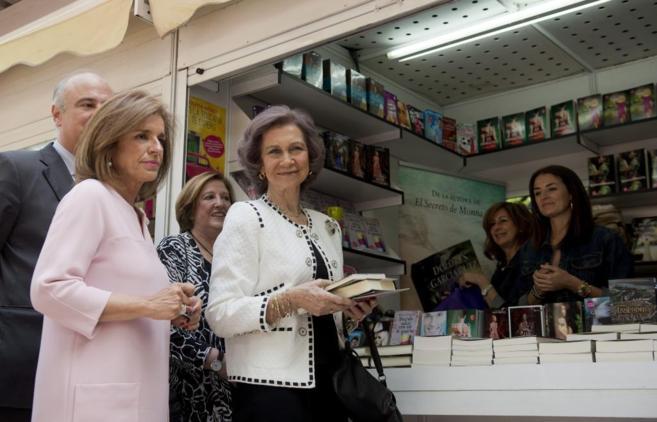 La Reina Sofía inaugura la 74ª edición de la Feria del Libro de...