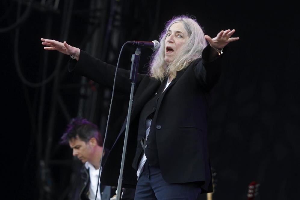 La musa del rock neoyorquino, Patti Smith, durante su interpretación...