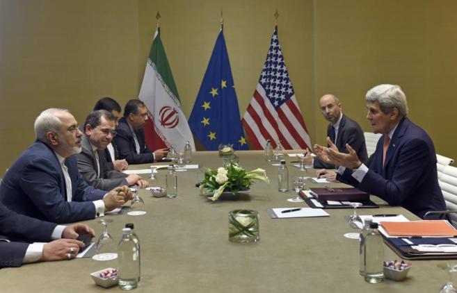Reunión en Ginebra, entre el secretario de Estado de EEUU, John...