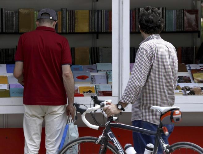 La 74º edición de Feria del Libro de Madrid en el Parque del Retiro.