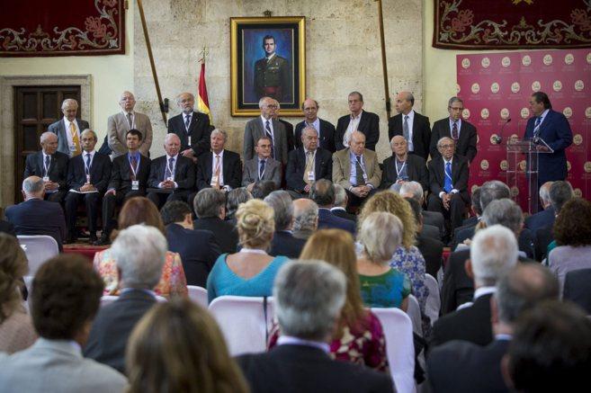 Los 21 miembros del jurado de este año reunidos en Valencia.
