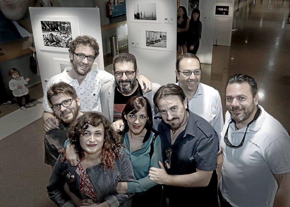 Parte del grupo que forman los colectivos de fotografía alicantinos...