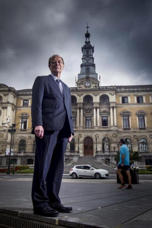El alcalde en funciones de Bilbao Ibon Areso