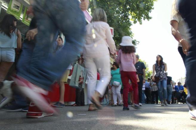 Visitantes durante los primeros días de Feria del Libro