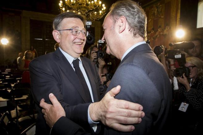 Ximo Puig saluda a Alberto Fabra en la proclamación de os Premios...