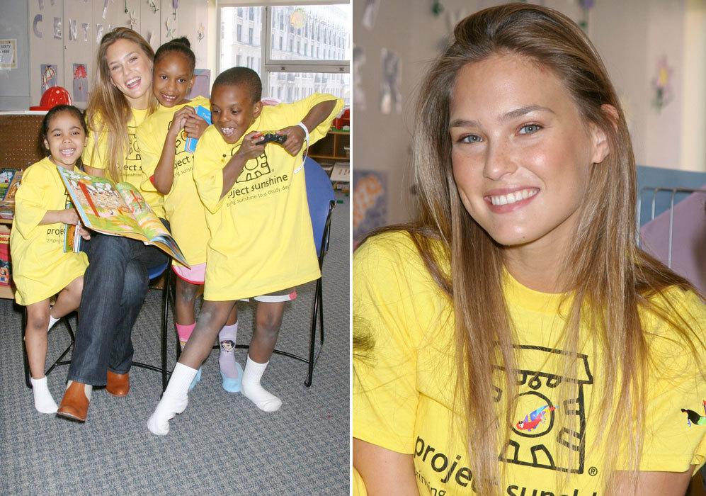 La modelo es voluntaria de 'Project Sunshine', una organización que...