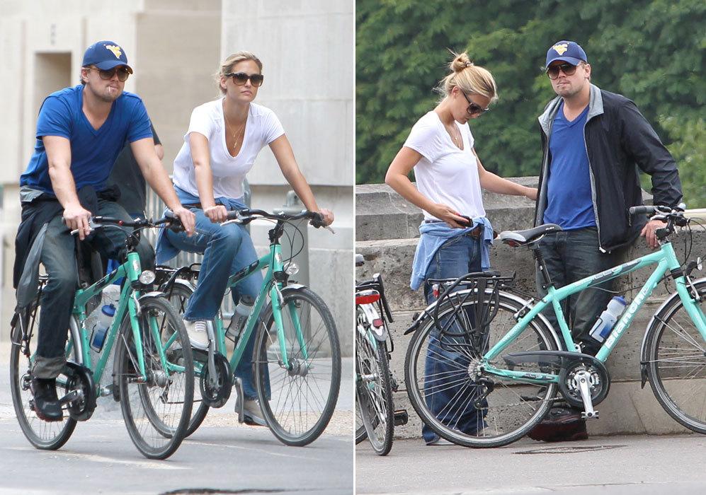 Ese año, la modelo y Leonardo DiCaprio seguían derrochando amor...