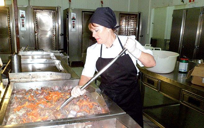 Rosa García Oliver, en su primer día de trabajo en la base militar...