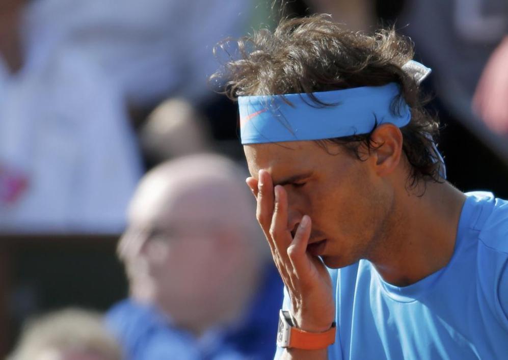 Rafa Nadal reacciona durante el encuentro ante Novak Djokovic.