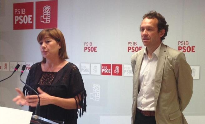La líder del PSIB, Francina Armengol, y el diputado socialista Marc...