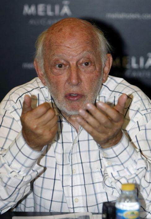 Álvaro de Luna, durante la rueda de prensa ofrecida este jueves en...