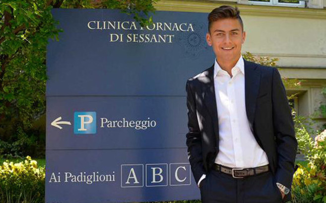 Paulo Dybala, antes de pasar reconocimiento médico con los servicios...