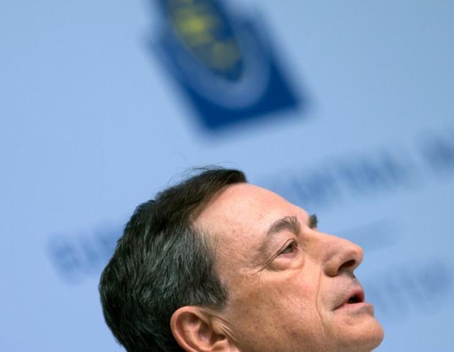 El presidente del BCE, Mario Draghi, en una rueda deprensa en...