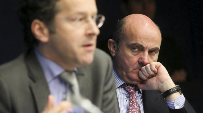 El actual presidente del Eurogrupo, Jeroen Dijsselbloem, y el ministro...